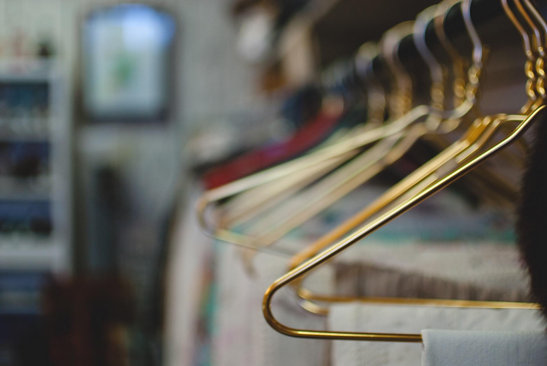 Como organizar seu guarda-roupas