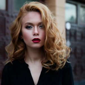 Cor do cabelo X Tom de pele: os passos para acertar esta equação